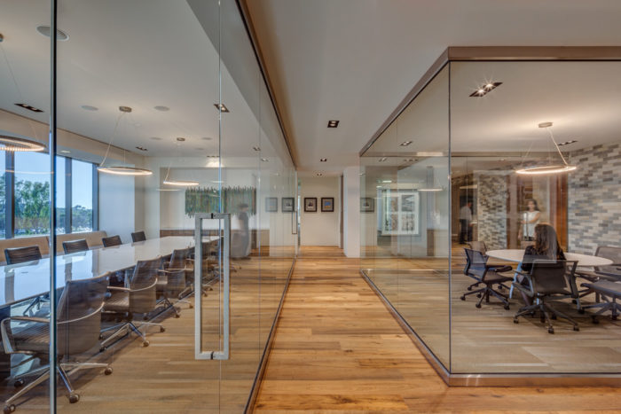 Open Offices 2.0 – Roaming Desks, Private Spaces